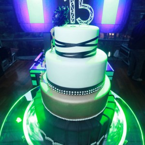 bolo de aniversario de 15 anos